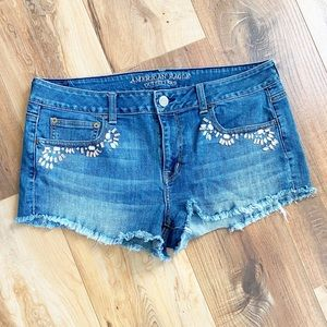 American Eagle stretch distressed jewelled short